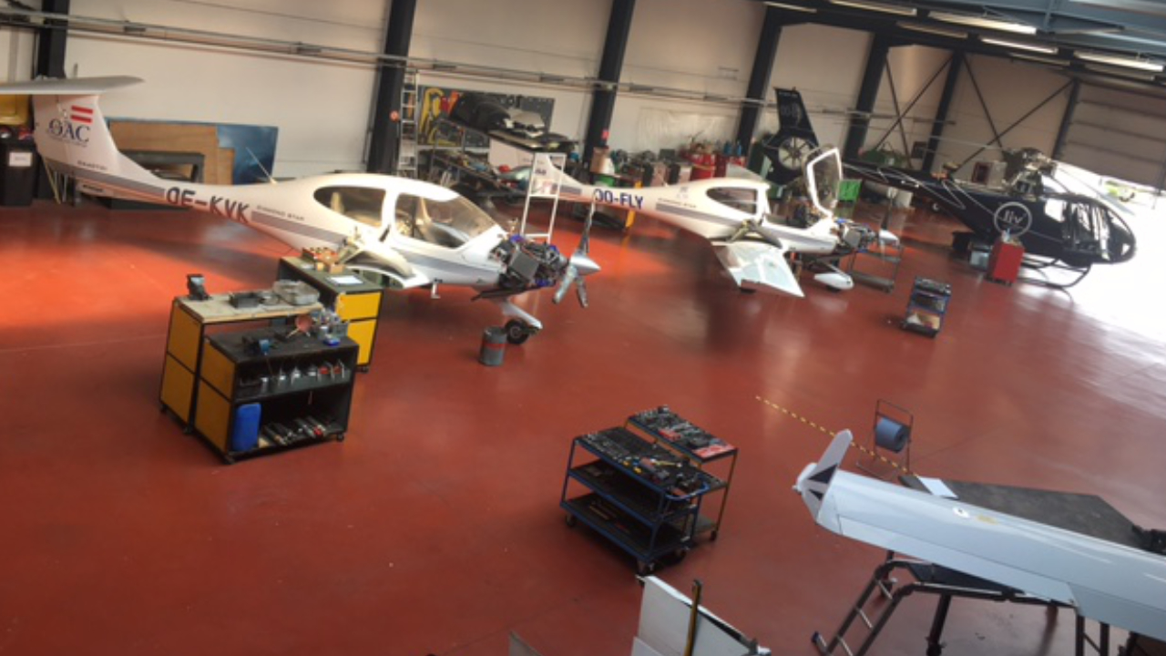 Gill Aviation team maintenance